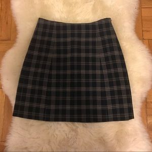 Aritzia new Babaton skirt size 2 navy